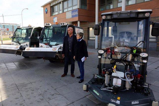 Tres nuevas maquinas para el 'Plan de Choque' de limpieza que llegan al barrio d