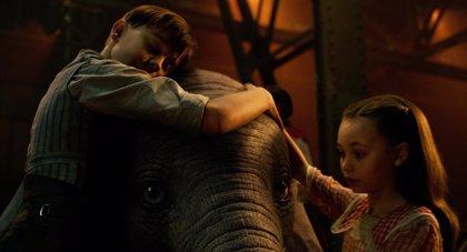 """Primeras reacciones a Dumbo: """"La mejor película"""" de Tim Burton en años es """"sencilla"""" pero """"con mucho corazón"""""""