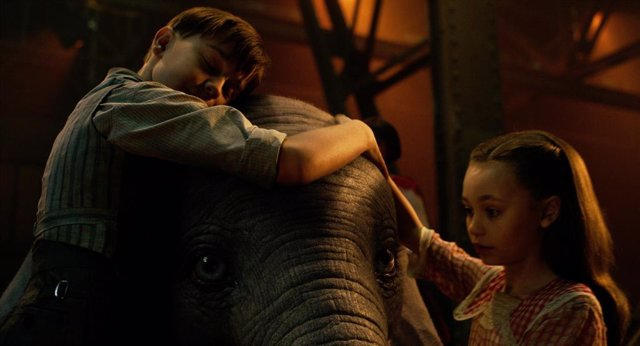 """Primeras reacciones a Dumbo: """"La mejor película"""" de Tim Burton en años es """"senci"""