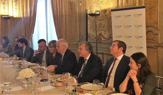 Borrell subraya ante empresarios la apuesta de España por la estabilidad y la se