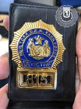 Sucesos.- Detenido un hombre que intentó evitar una multa mostrando carnés falso