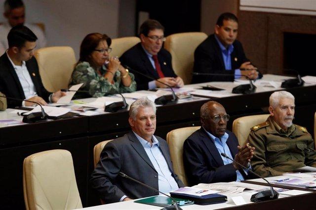Miguel Diaz-Canel aasiste a una sesión de la Asamblea Nacional