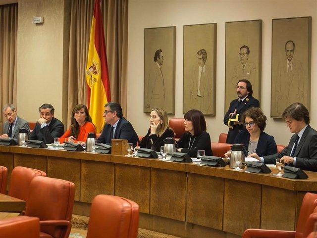 Ana Pastor y la Mesa de la Diputación