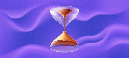 Físicos hacen retroceder el tiempo usando una computadora cuántica
