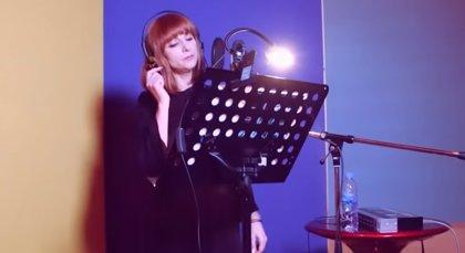 Najwa interpreta la canción en castellano del Dumbo de Tim Burton