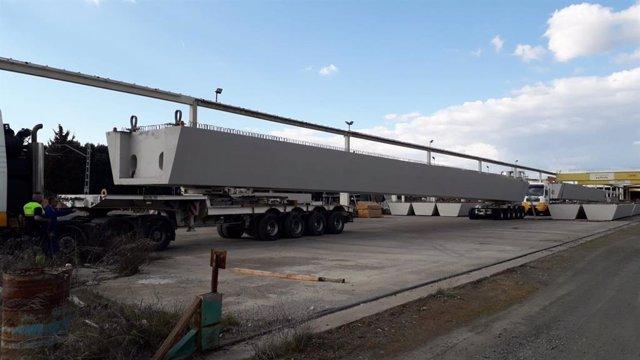 URA coloca mañana jueves las dos vigas de 40 metros del nuevo puente de Aretxaga