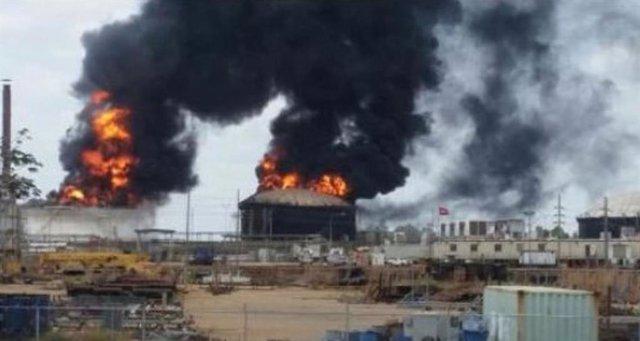 Explotan dos tanques de almacenaje de diluyente en el proyecto petrolero San Fél