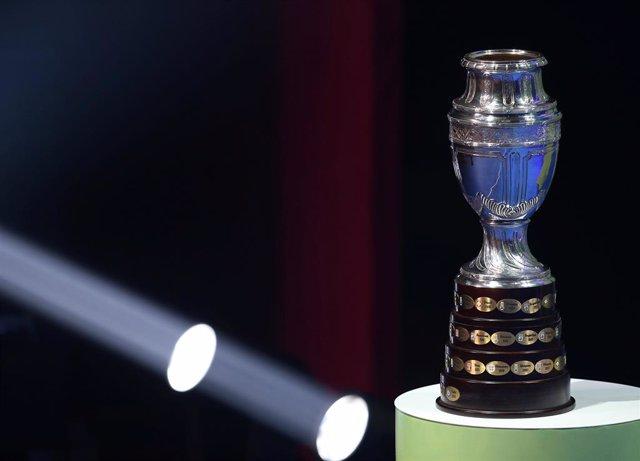 Fútbol.- La CONMEBOL aprueba realizar la Copa América 2020 en territorio sudamer