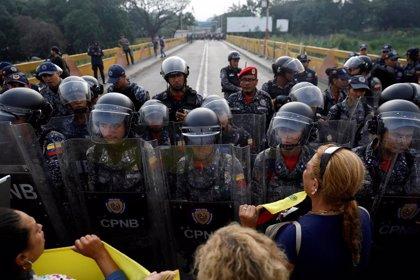 La OEA condena la violencia contra manifestantes venezolanos en la frontera con Colombia