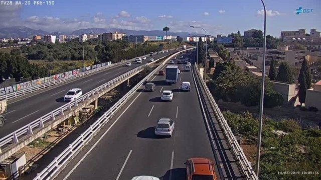 Sucesos.- Restablecen el tráfico en la Vía de Cintura tras un accidente leve