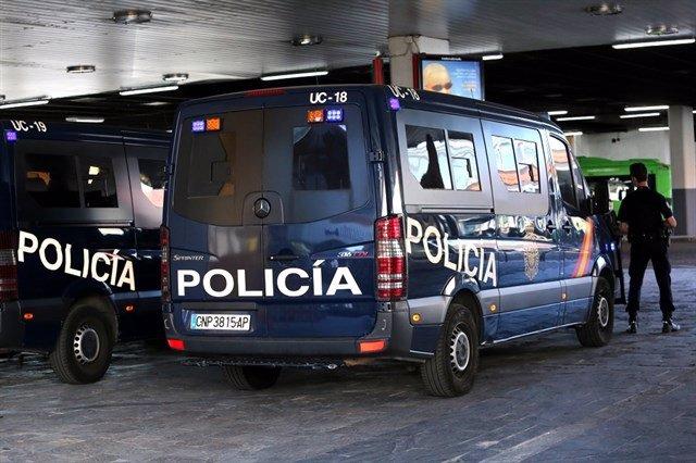 Furgones de Policía Nacional