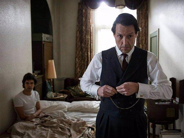 La aclamada miniserie 'Un escándalo muy inglés' llega a Paramount