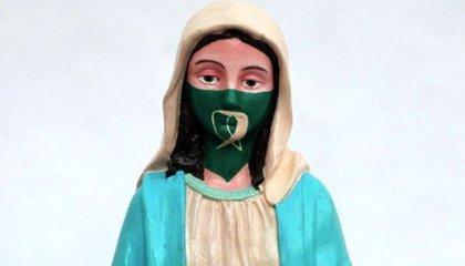 Una virgen con el pañuelo verde del aborto legal desata una fuerte polémica en Argentina