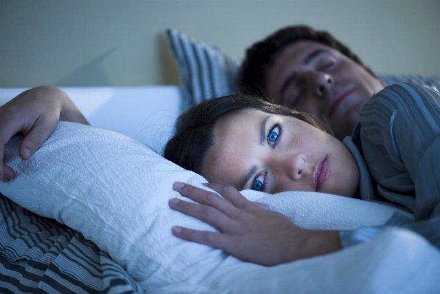 Experta recuerda que utilizar las nuevas tecnologías antes de dormir tiene efect