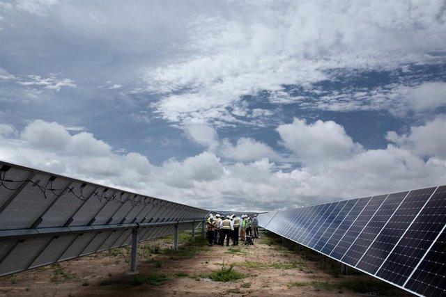 Economía.- Iberdrola construirá una planta fotovoltaica de 150 MW en Washington,