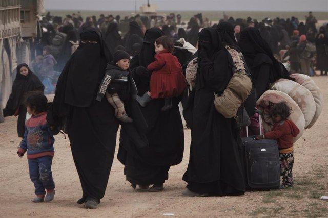 AMP.- Siria.- Evacuadas más de 2.000 personas del último enclave de Estado Islám