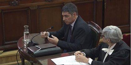Trapero pidió a Puigdemont que cumpliera la ley y le avisó que los Mossos no acompañaban el proyecto independentista