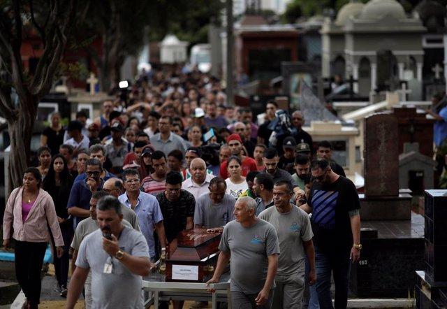 Brasil.- Brasil despide a las nueve víctimas del ataque en Suzano en pleno debat