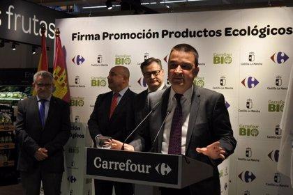 Carrefour diferenciará productos ecológicos certificados en C-LM dentro de sus supermercados tras un convenio con Junta