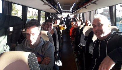 Plantilla de La Naval parte desde Sestao hacia Madrid para plantear a la ministra de Industria la compra de la draga