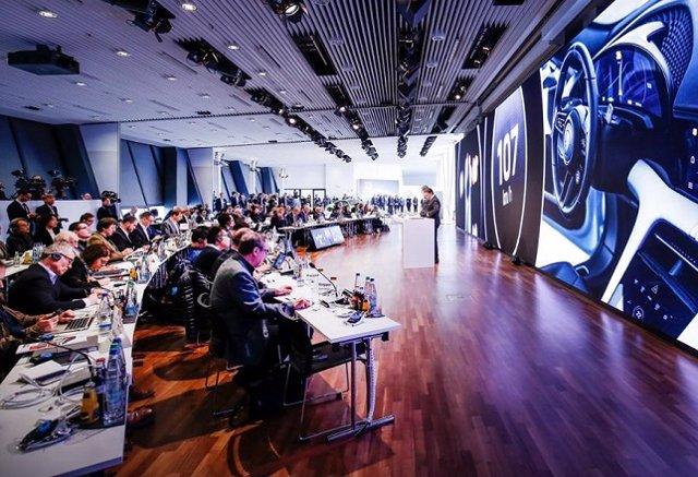 Economía/Motor.- Porsche alcanzó en 2018 un beneficio operativo récord de 4.300