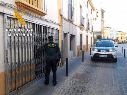 Detenido un varón por robar en un estanco de Moraleja (Cáceres) tras amenazar al dependiente con un cuchillo
