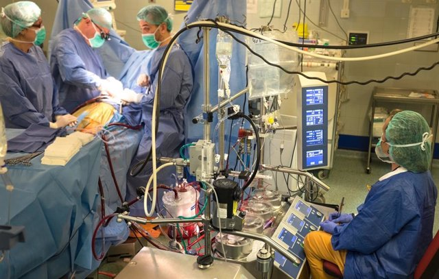 L'Hospital de Bellvitge capitanea l'aplicació de cors mecànics de llarga
