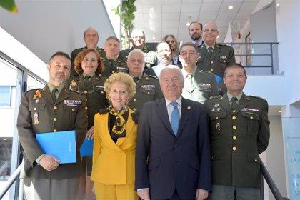 El Consejo General de Enfermería creará una comisión mixta con la enfermería militar