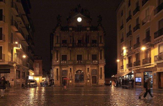 El Ayuntamiento de Pamplona apagará sus luces por la hora del planeta