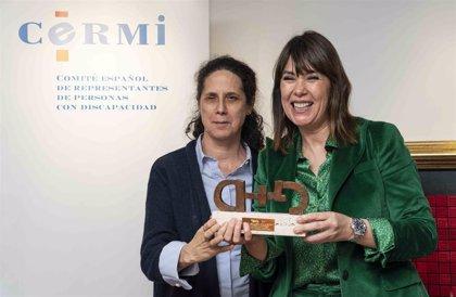 Mabel Lozano, premiada por su video 'Diferente' que visibiliza la violencia contra las mujeres con discapacidad