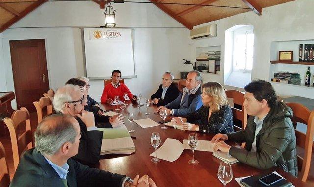 Np Y Foto Reunión Ana Mestre Y Daniel Sánchez Bodegas Sanlúcar
