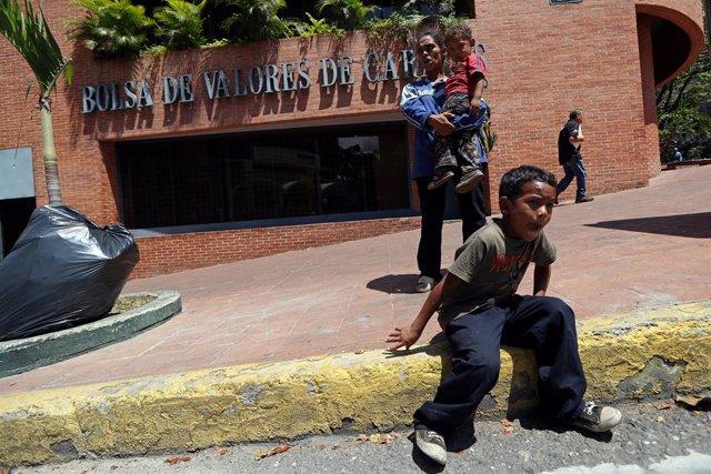 Venezuela.- El peligro que acecha a los menores venezolanos que huyen a Perú