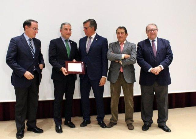 Málaga.- Turismo.- El sector reconoce la labor de Elías Bendodo al frente de Tur