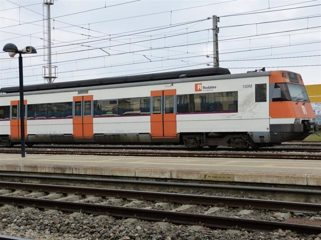 Tren de Rodalies. AVE, rodalies, vies