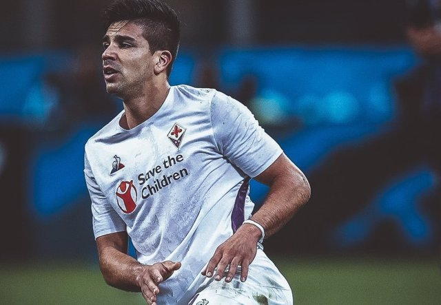 Fútbol/Serie A.- La Fiorentina pierde comba tras caer en el Sardegna Arena