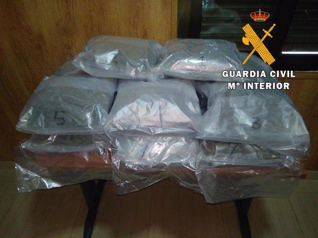 Almería.- Sucesos.- Detenido un vecino de Roquetas de Mar con ocho kilos de mari