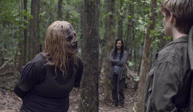 PARA SÁBADO The Walking Dead resurge de sus cenizas con Alpha y los Susurradores