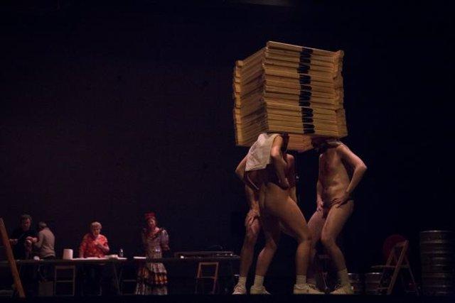 Más Libres exige a Carmena la retirada de la obra de teatro 'Dios tiene vagina'