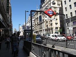 """La estación de Gran Vía, que lleva 7 meses cerrada, tendrá los primeros """"tornos"""