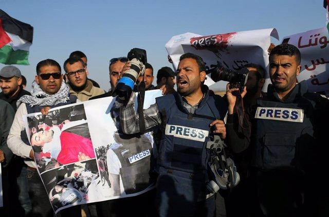 Protesta contra el asesinato del periodista palestino Yaser Murtaja