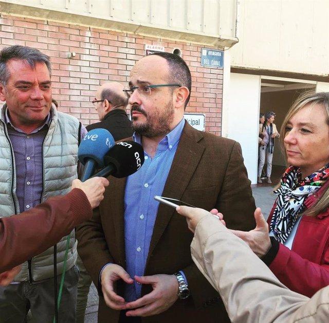 """Alejandro Fernández (PP) lloa la """"trajectria exemplar"""" de Cayetana Álvarez de"""