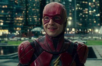 Ezra Miller intenta salvar The Flash: Escribirá el guión junto a Grant Morrison