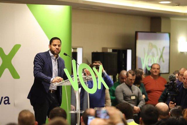 El presidente de Vox, Santiago Abascal, visita Pamplona
