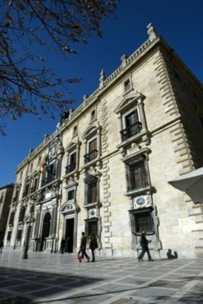 Juzgan este lunes a la exalcaldesa de Caniles (Granada) por supuestas contrataciones irregulares