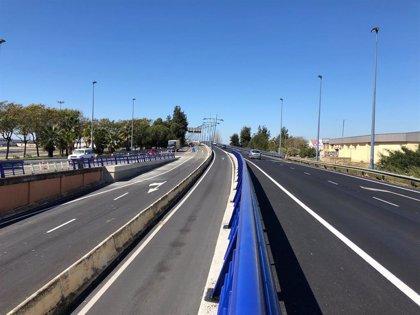 El paso inferior de entrada a Huelva capital del puente del Odiel se abre este domingo