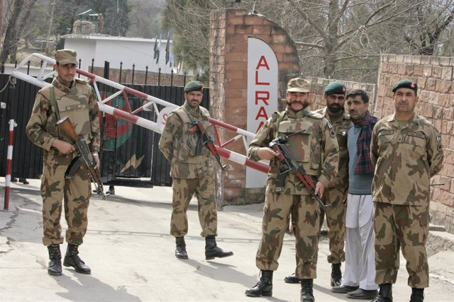 Soldados de Pakistán en Cachemira