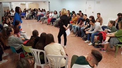 Más de 100 personas asisten en Córdoba capital al encuentro de participación juvenil en el centro cívico Fuensanta