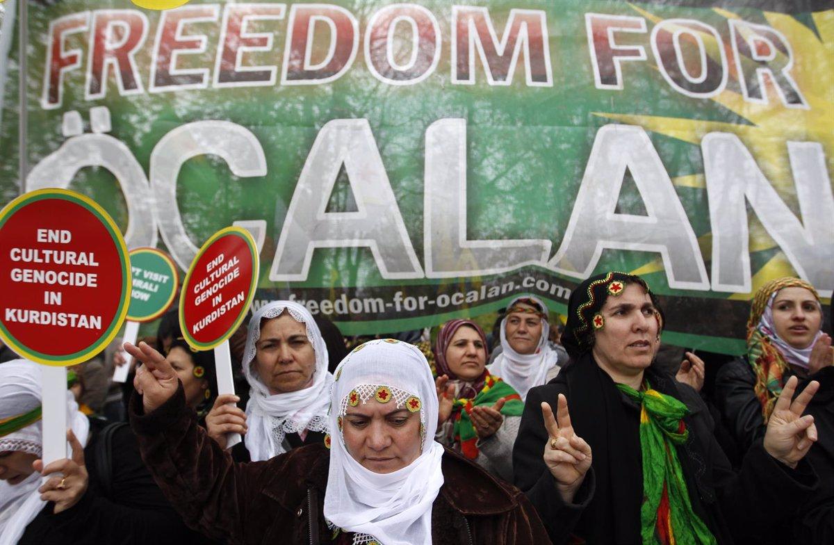 Muere un preso kurdo en huelga de hambre para pedir el fin del aislamiento de Ocalan