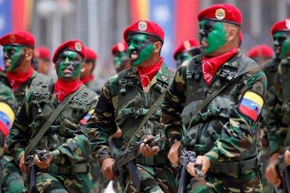 Ya son cerca de un millar los militares venezolanos que han desertado a Colombia