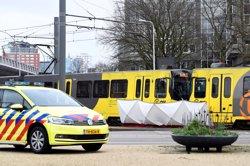 Diverses persones ferides en un tiroteig contra un tramvia a Utrecht (REUTERS / PIROSCHKA VAN DE WOUW)
